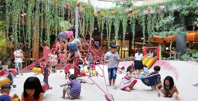 6 Gems Where Families Can Dine and Play Around Bangkok